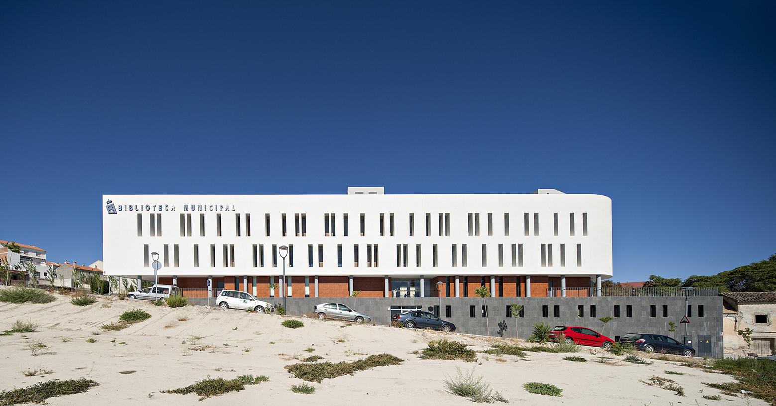 Baza Municipal Library / Redondo y Trujillo Arquitectos, © Javier Callejas Sevilla