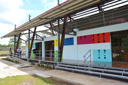Centro de cuido y desarrollo infantil de nicoya entre Arquitectura de desarrollo