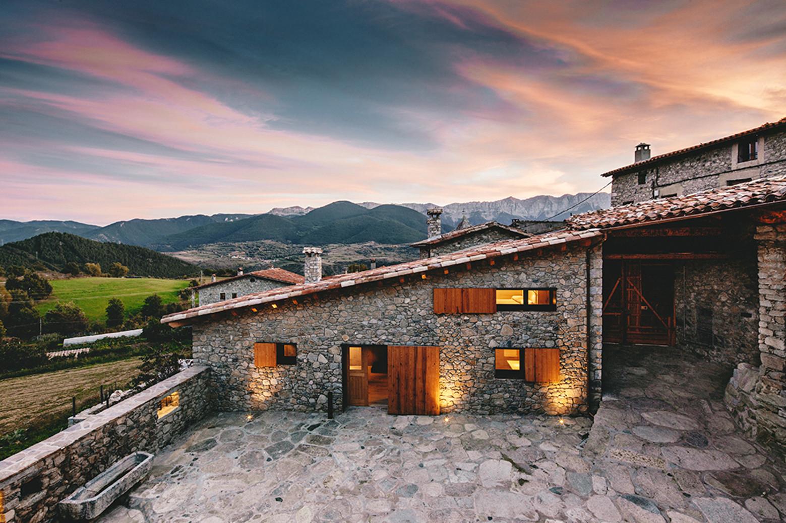 Reabilitação de um conjunto de casas em La Cerdanya / dom - arquitectura, © Jordi Anguera