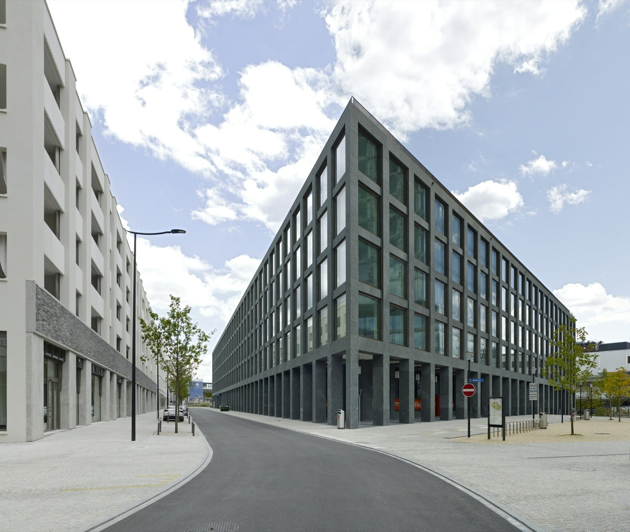 Richtiring Office Building / Max Dudler, © Stefan Müller