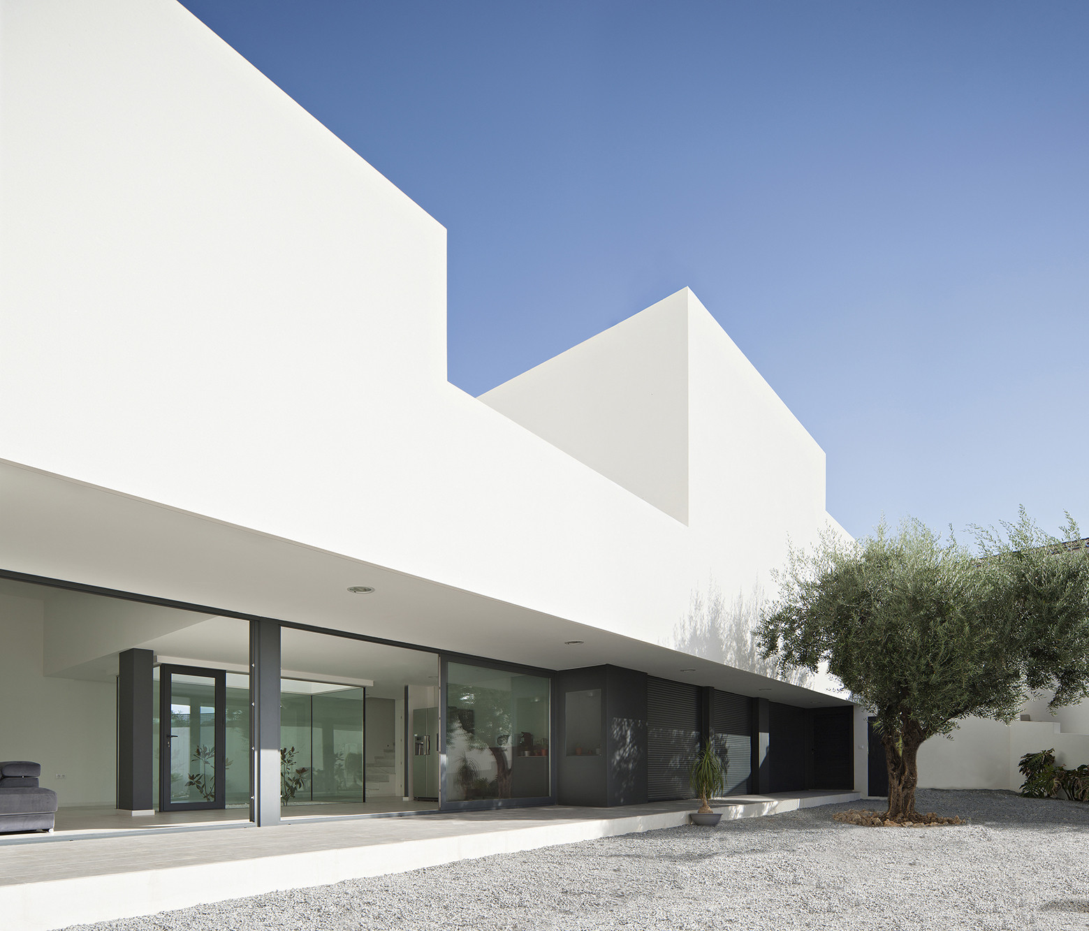 Single Family House with Garden / DTR_Studio Arquitectos, © Javier Callejas