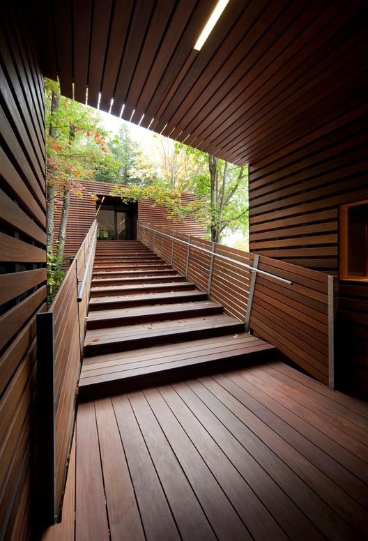 Balnea Pavillon des arbres / Blouin Tardif Architecture-Environnement, © Steve Montpetit