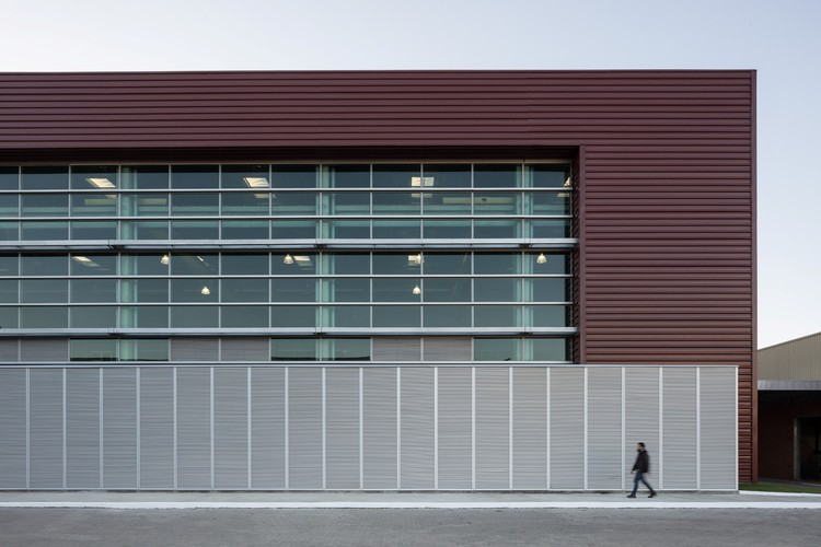 Nova Fábrica Perto / Santini & Rocha Arquitetos, © Marcelo Donadussi - Fotografia de Arquitetura