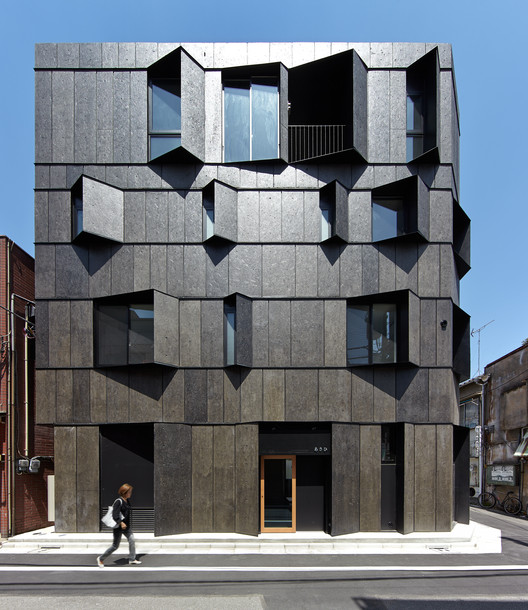 KURO Building / KINO Architects, © Daici Ano