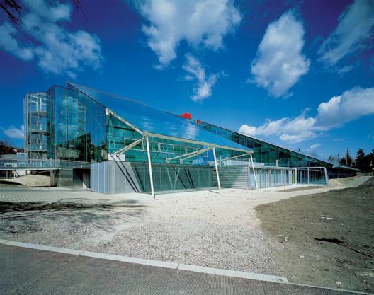 Escuela Secundaria de Ciencia en Kinkplatz, Viena, Exterior. Imagen © Manfred Seidl