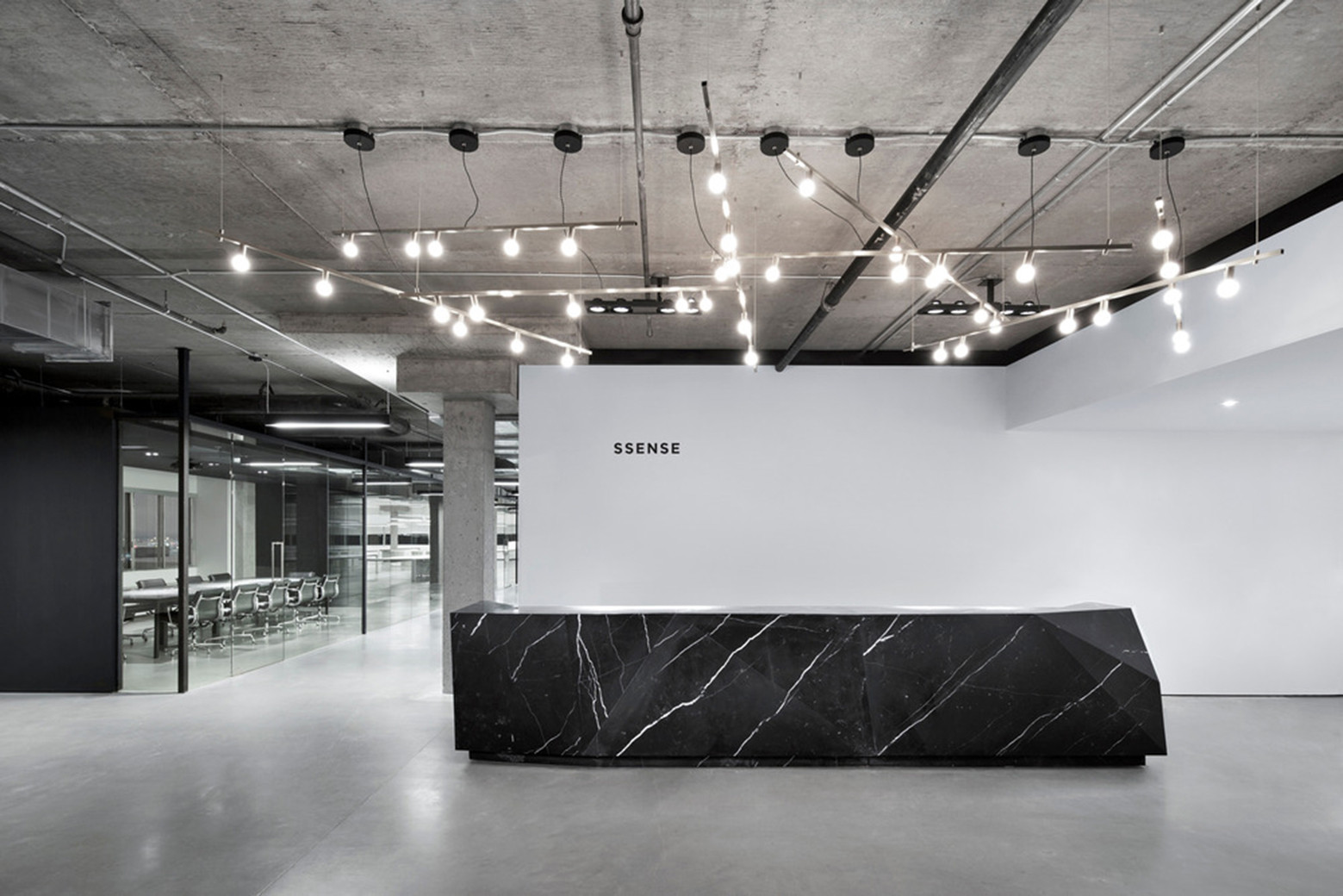 SSENSE / Humà Design, © Adrien Williams