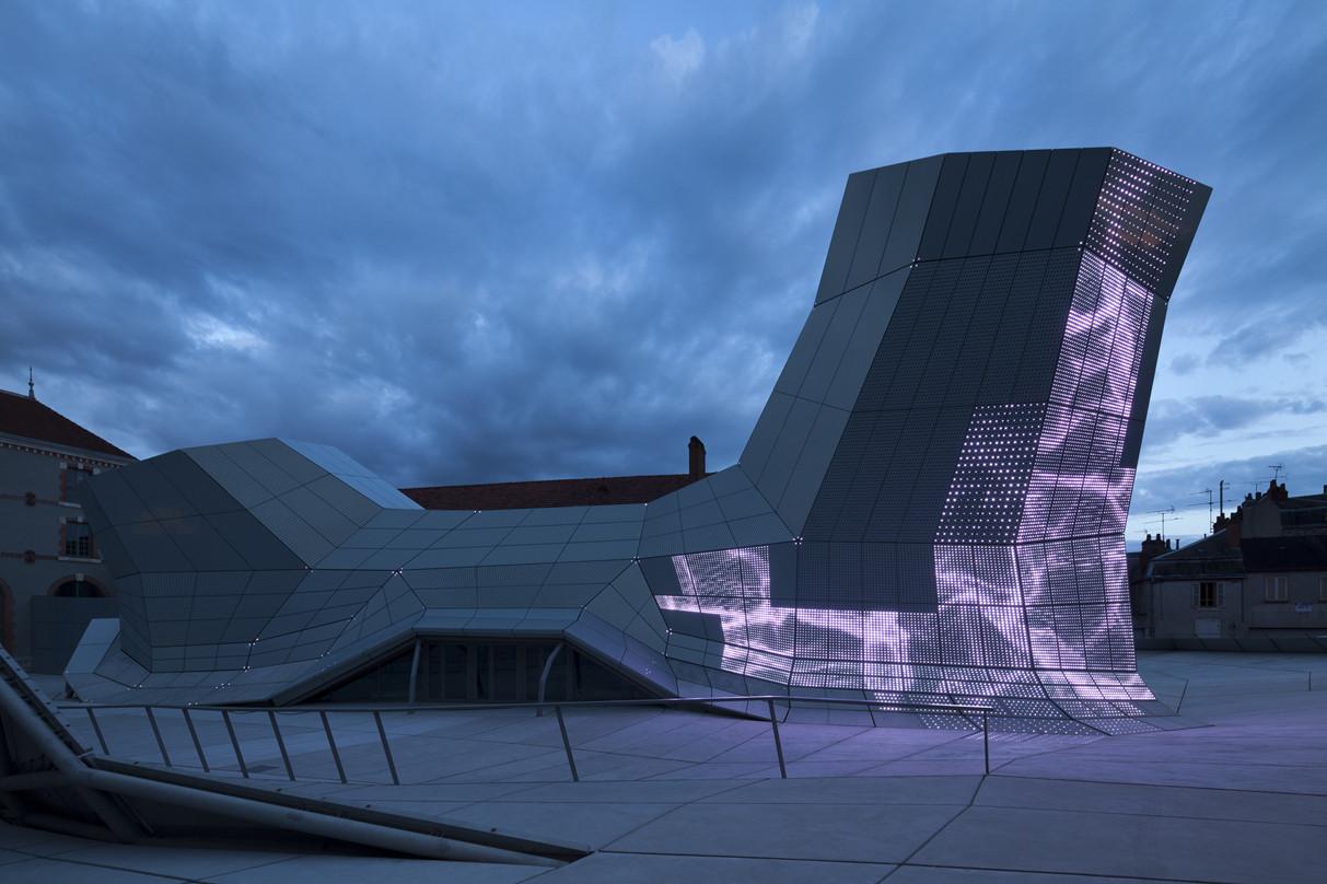 Centro de FRAC de Turbulencias / Jakob + Macfarlane Architects