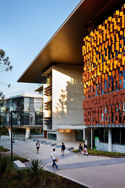 Edificio de Ingeniería Avanzada / HASSELL, Richard Kirk Architect