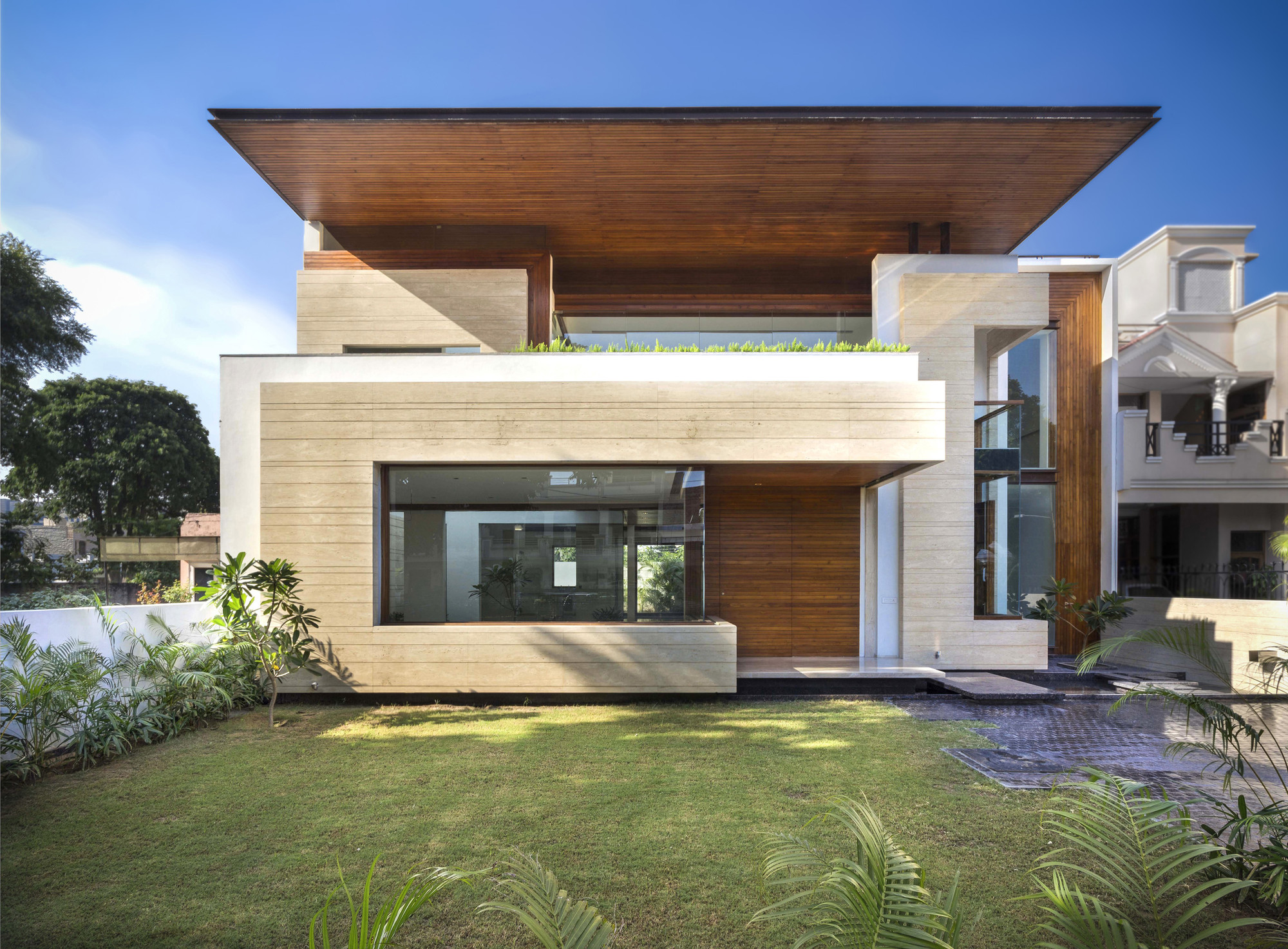 Gallery of House in Mohali / Charged Voids - 9