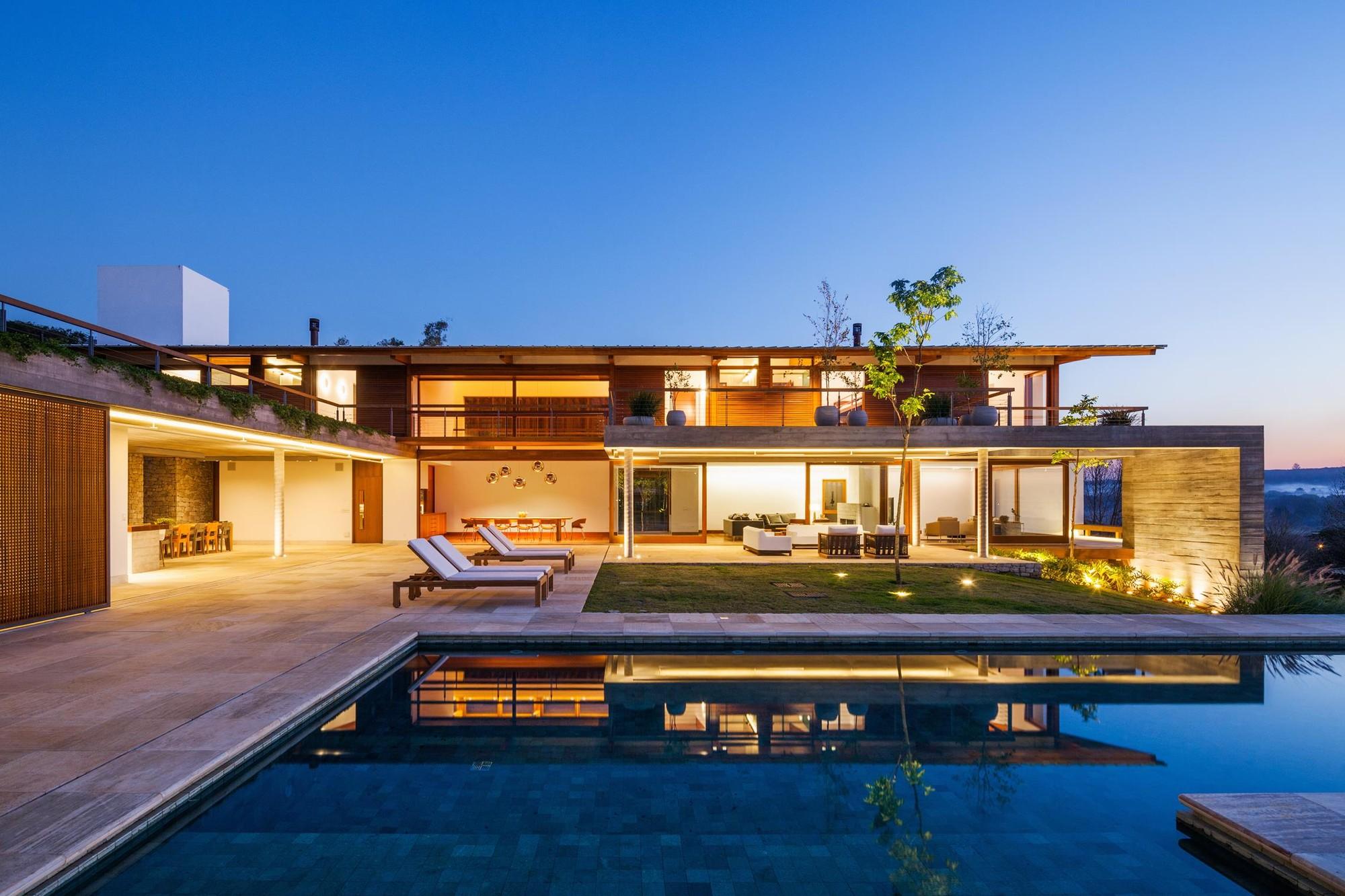 Residência FT / Reinach Mendonça Arquitetos Associados, © Nelson Kon