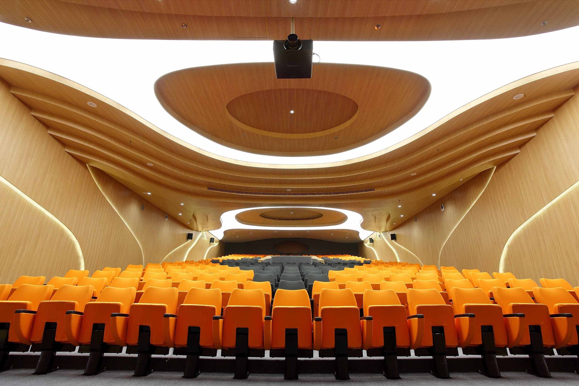 M auditorium planet 3 studios architecture archdaily for Architecture and design