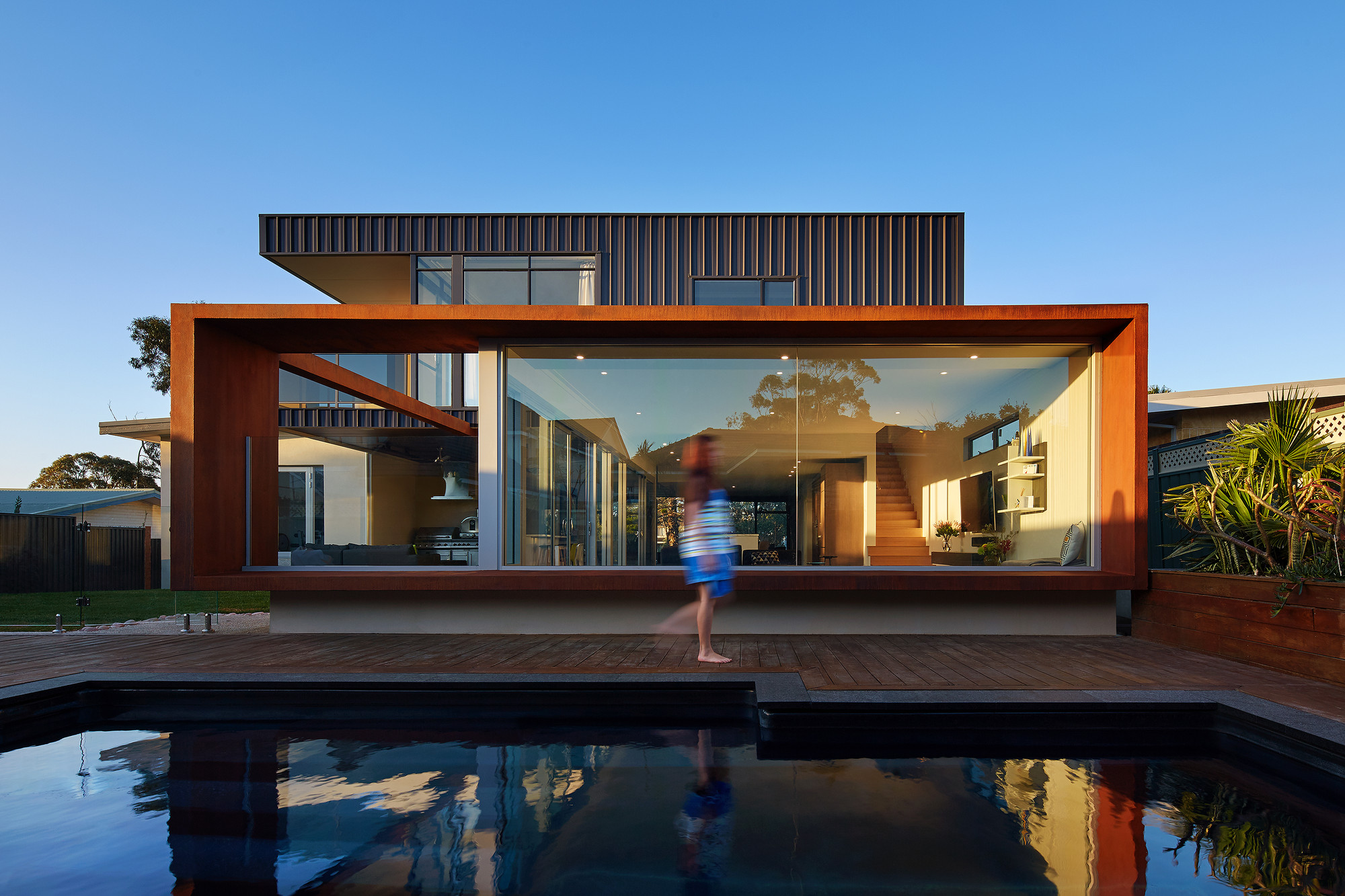Xyz house mark aronson architecture archdaily for Classic beach house designs