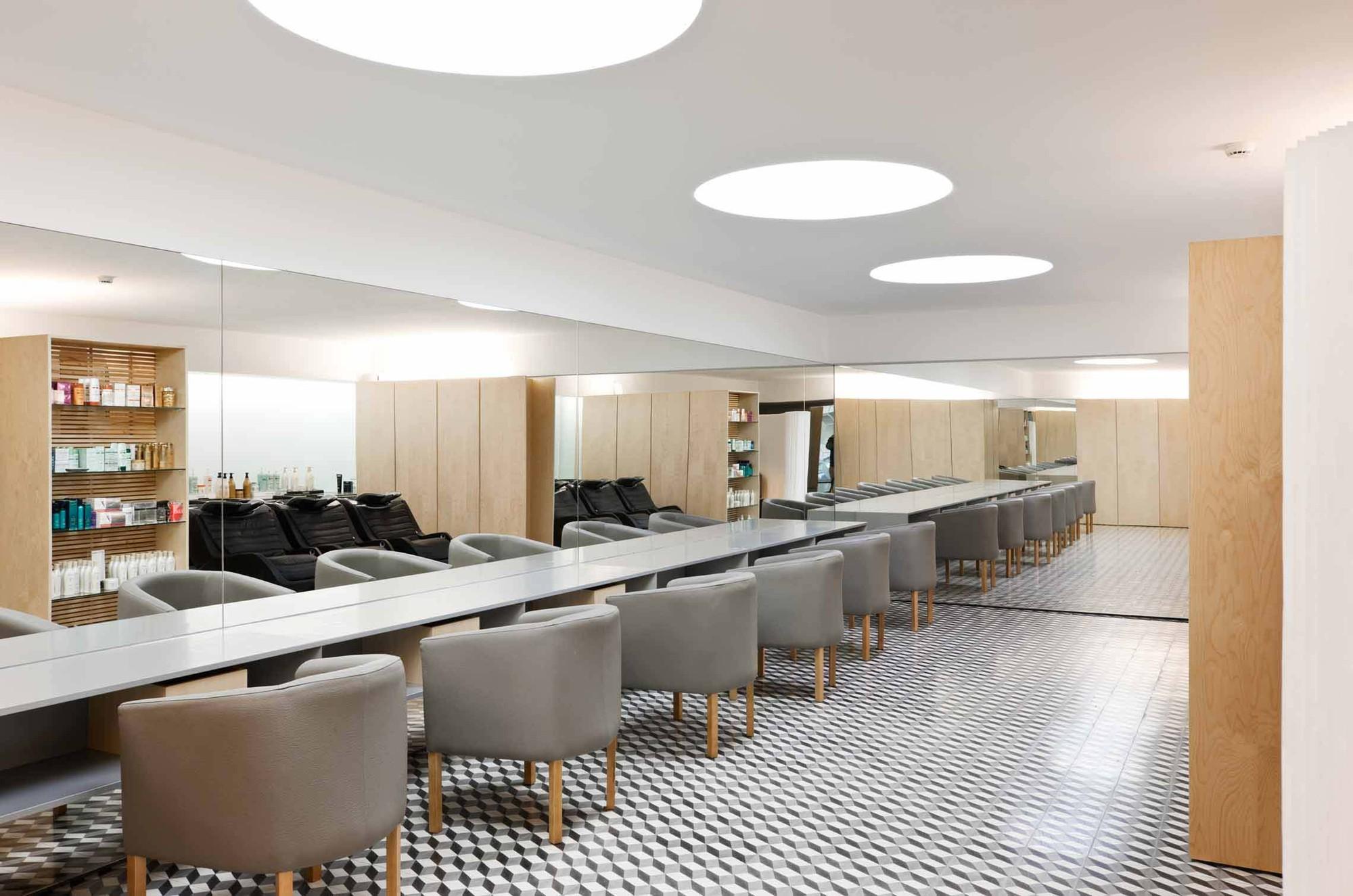 Salão de Cabeleireiro no Porto / CorreiaRagazzi arquitectos, © Luís Ferreira Alves