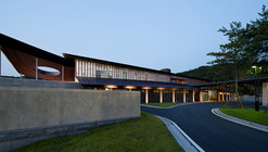 Seowon Golf Club House / ITM Yooehwa Architects + Itami Jun Architects