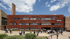 Centro Sexto Año Escuela Stoke Newington / Jestico + Whiles