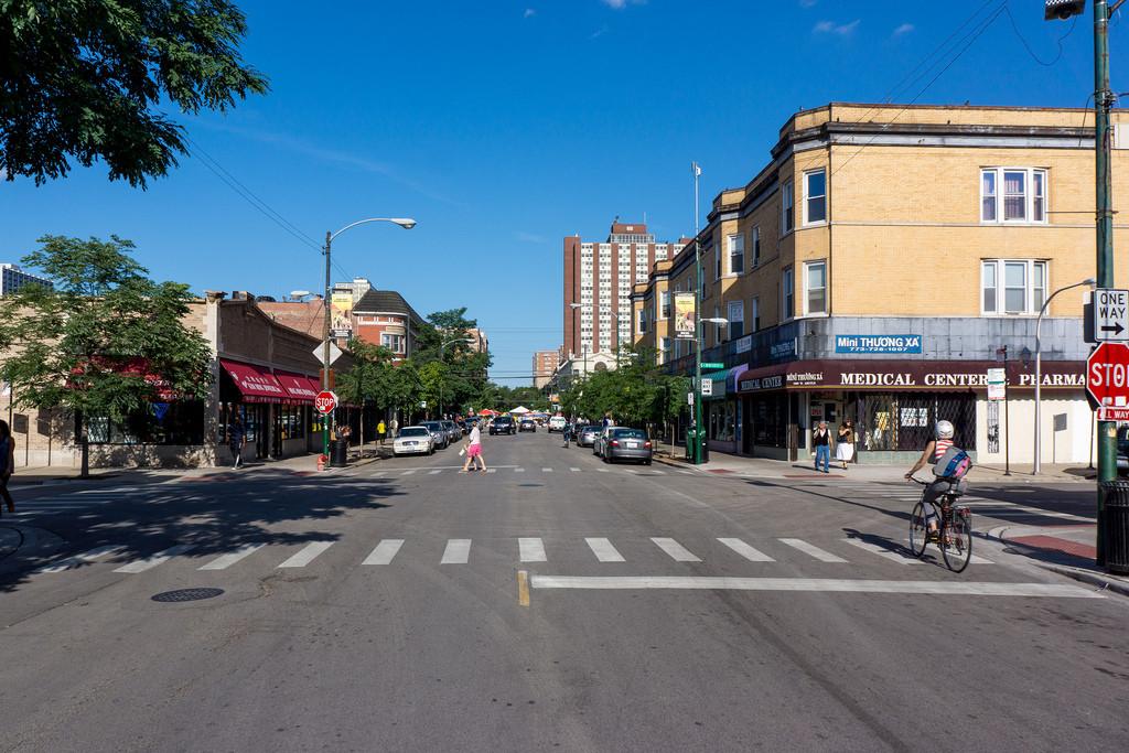 """Chicago criará seu primeiro """"Espaço Compartilhado"""" sem sinais de trânsito , Argyle em Chicago. © Zolk, via Flickr. Used under <a href='https://creativecommons.org/licenses/by-sa/2.0/'>Creative Commons</a>"""