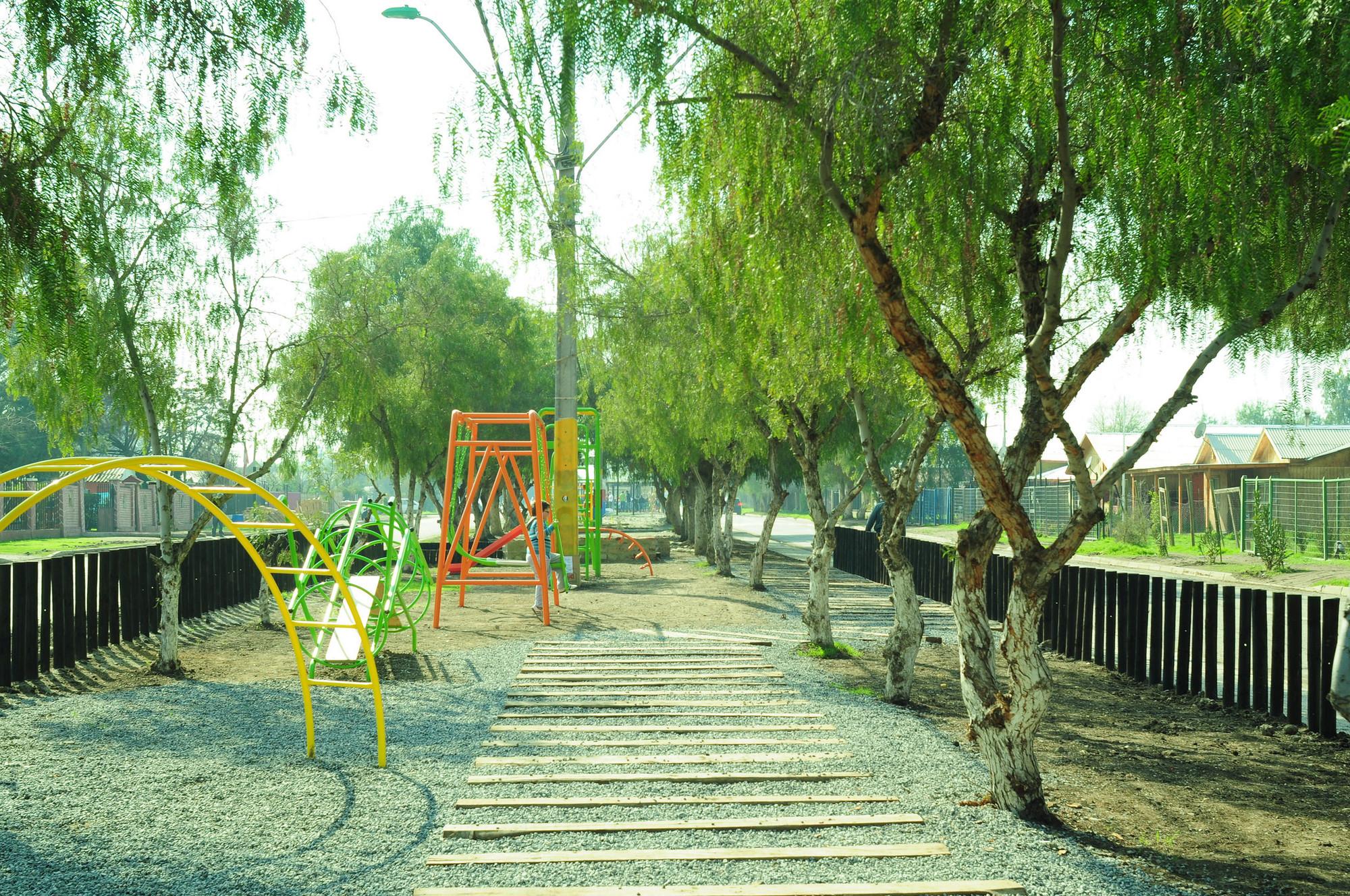 Fundaci n mi parque avanzando hacia un dise o for Parques con jardines