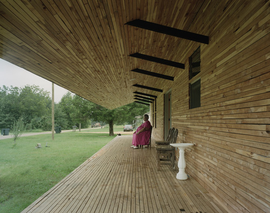 Rose Lee House / Auburn University Rural Studio. Image © Tim Hursley