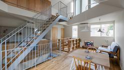 House in Tourimachi / SNARK + OUVI