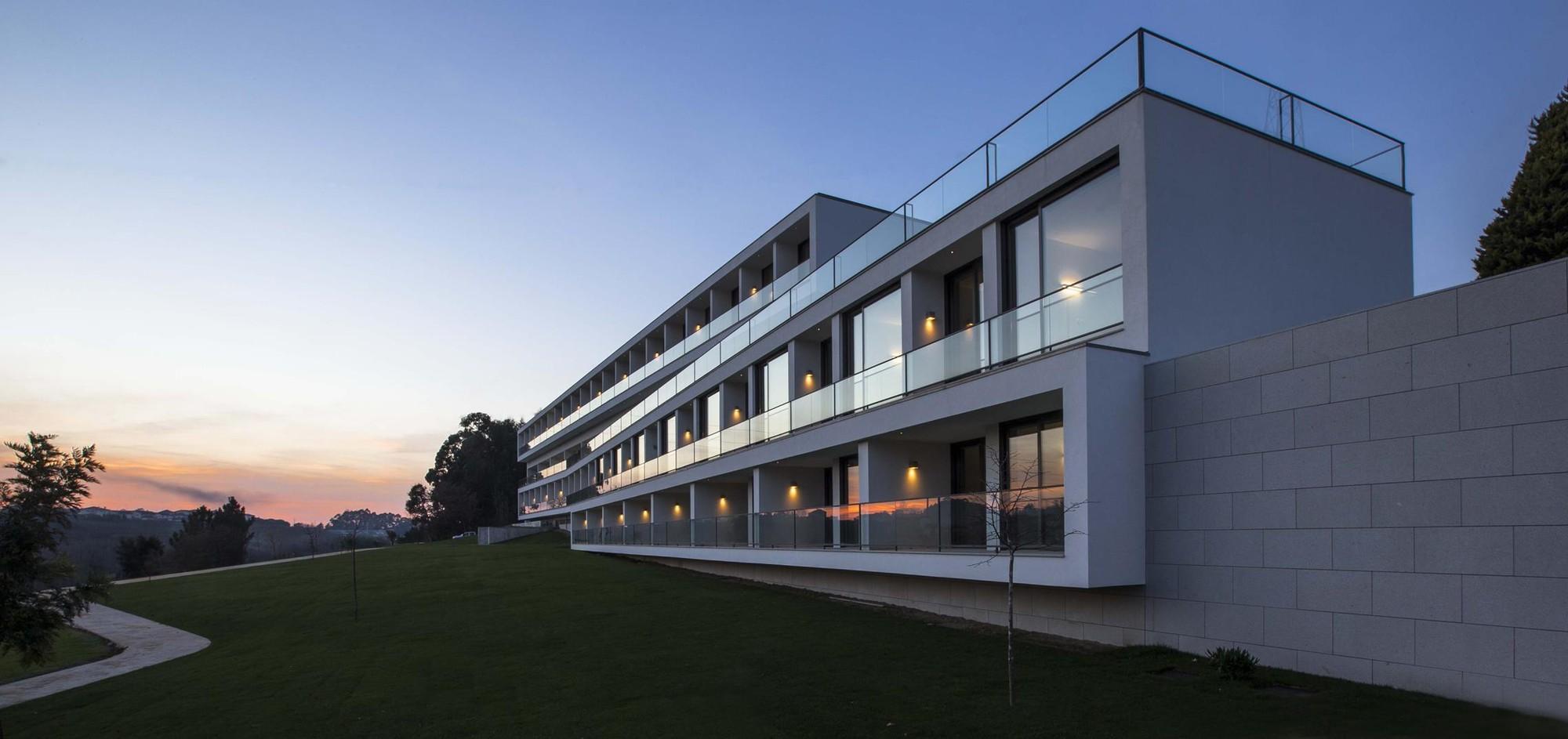 Lar Residencial Torre Sénior / Atelier d'Arquitectura J. A. Lopes da Costa, © Manuel Aguiar