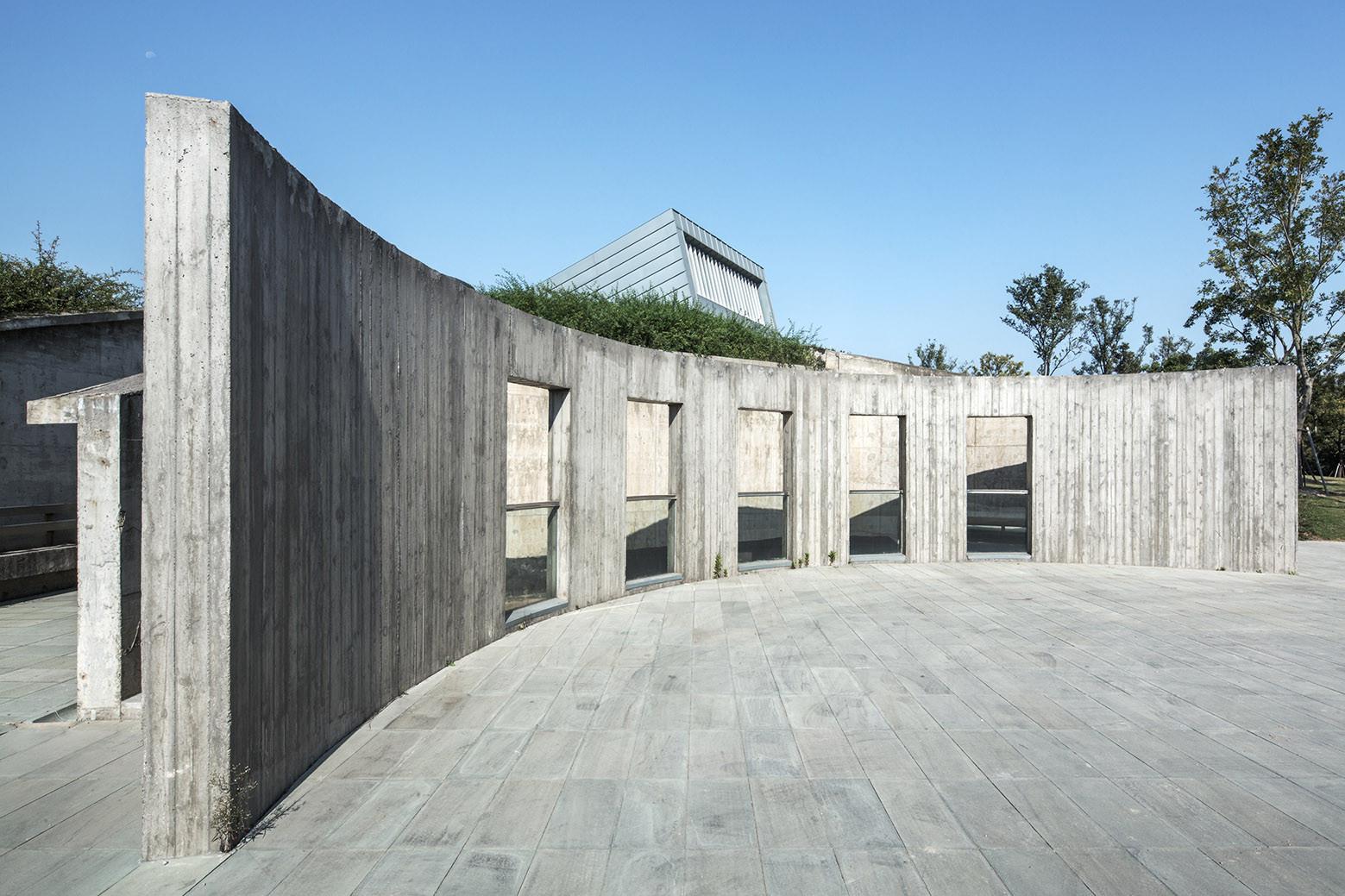 Waterfront Restaurant / Pro-Form Architects, © LV Hengzhong