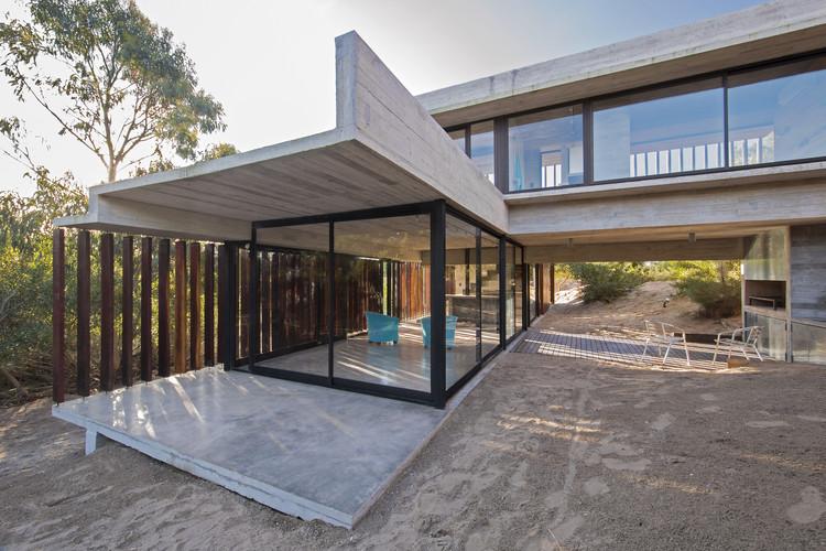 Casa MR / Luciano Kruk Arquitectos, © Daniela Mac Adden