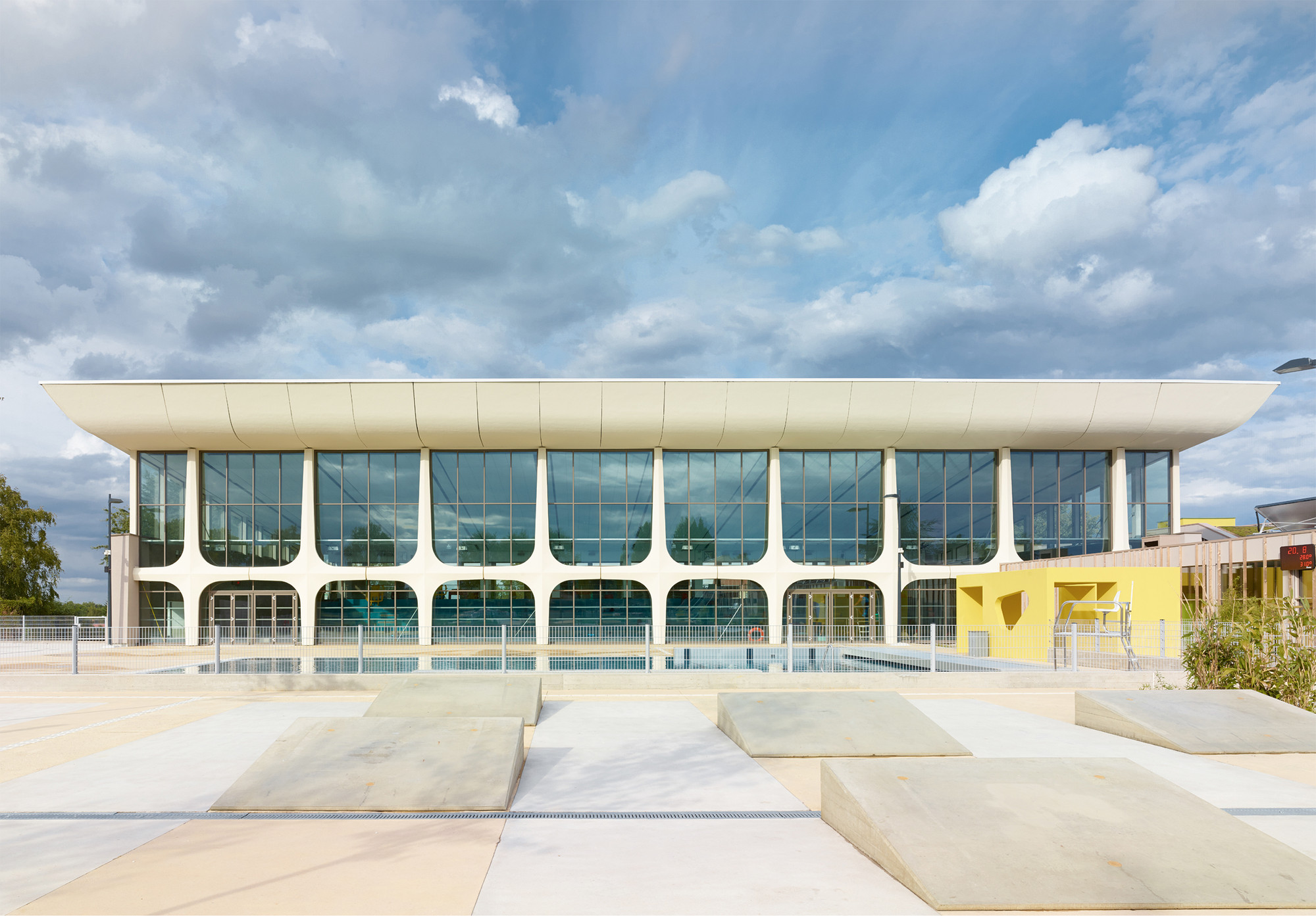 Beautiful Aquatic Centre Montigny Les Metz / DRD Architecture, © Gregoire Auger