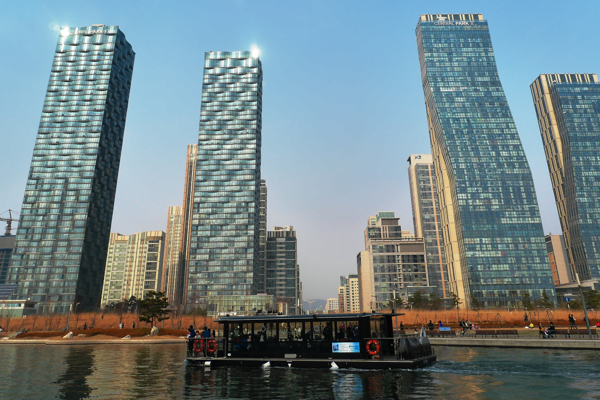 "Could Smart Cities Slowly Destroy Democracy?, Songdo, South Korea, was built along the ""smart city"" template. Image © Flickr User travel oriented"