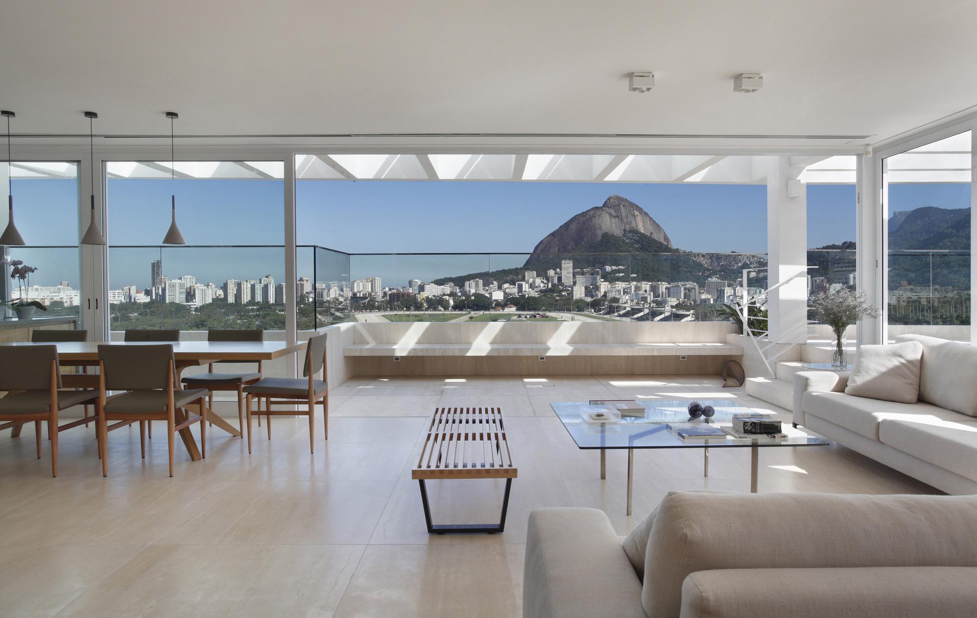Jmf residence ivan rezende arquitetura archdaily Rio design hotel