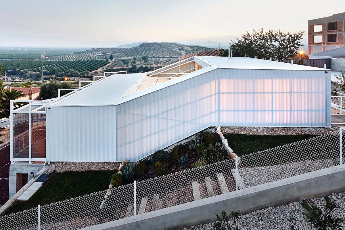 Seasonless House / Casos de Casas, © José Hévia