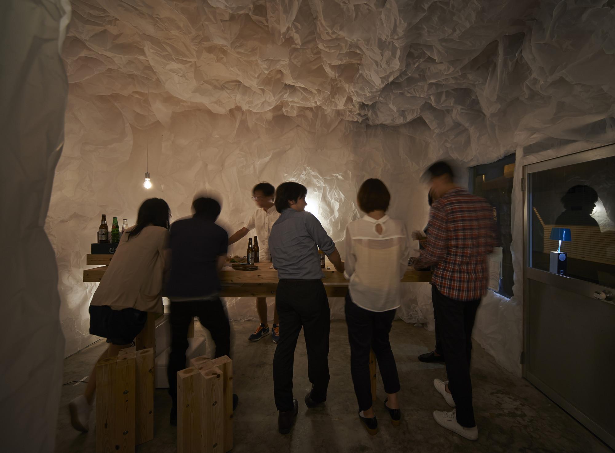 Yorunoma Bar / Naoya Matsumoto, © Takeshi Asano