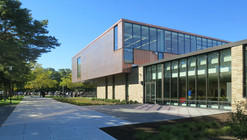 Rhode Island College Art Center / Schwartz-Silver