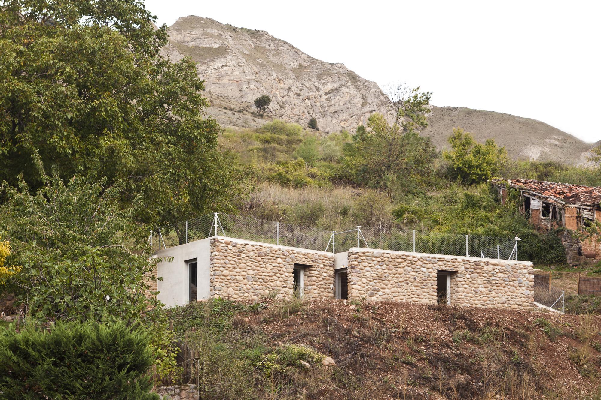 Refugio Entre Muros / Azootea, © OjoVivo foto / Paula Arroyo