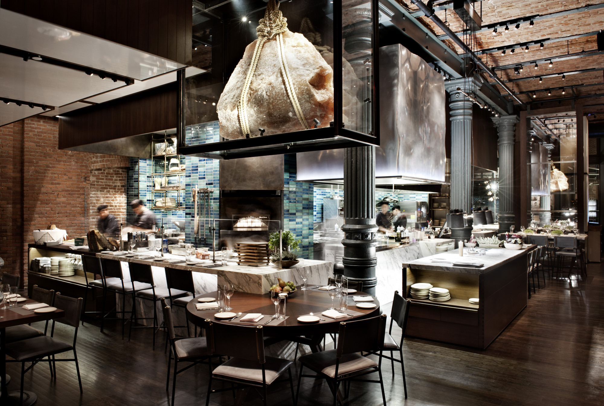 Gallery of chefs club by food wine rockwell group 11 for Food bar nyc