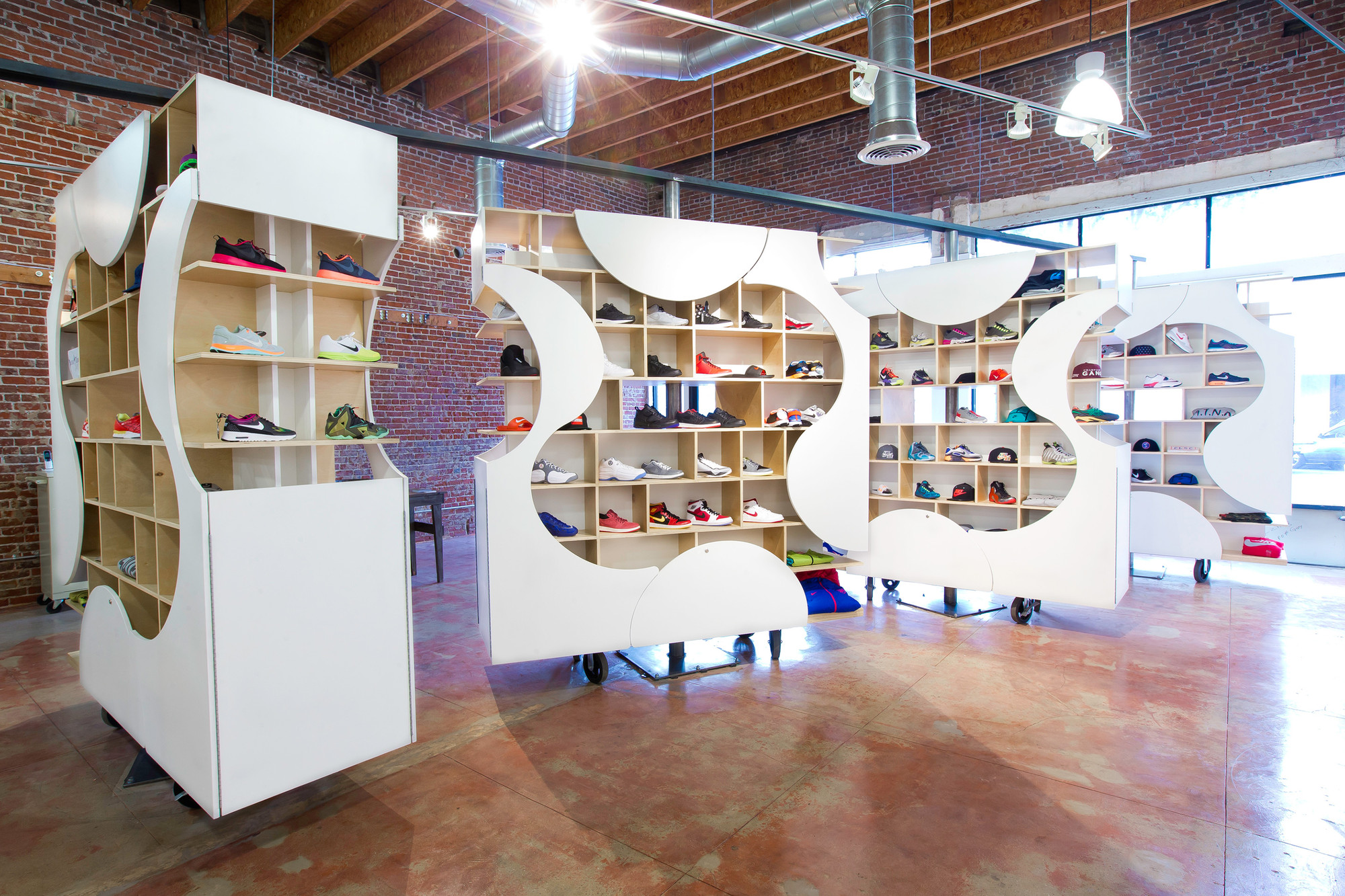 Gallery Of Adaptable Sneaker Boutique Up 6