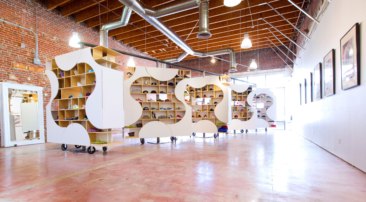 Adaptable Sneaker Boutique Up Archdaily