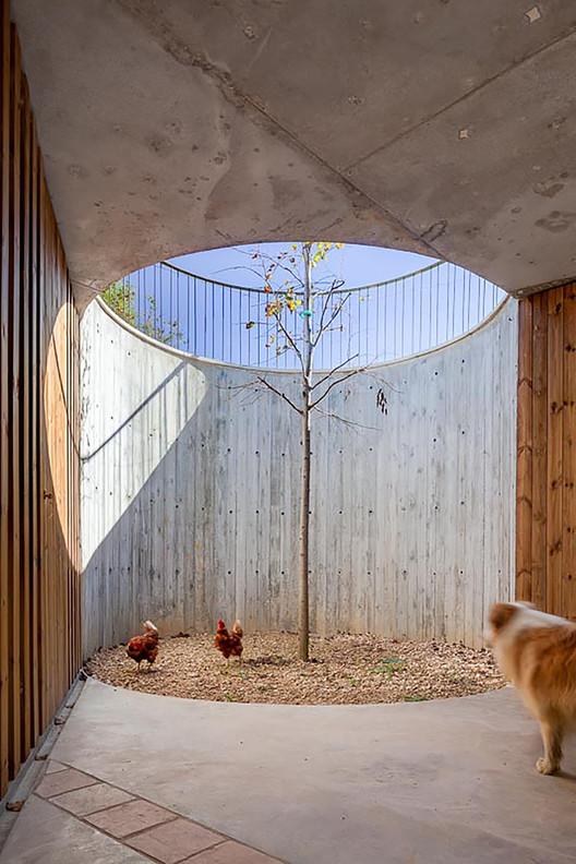 Arredores da Fazenda  / Arnau Estudi d'Arquitectura, © Marc Torra Ferrer
