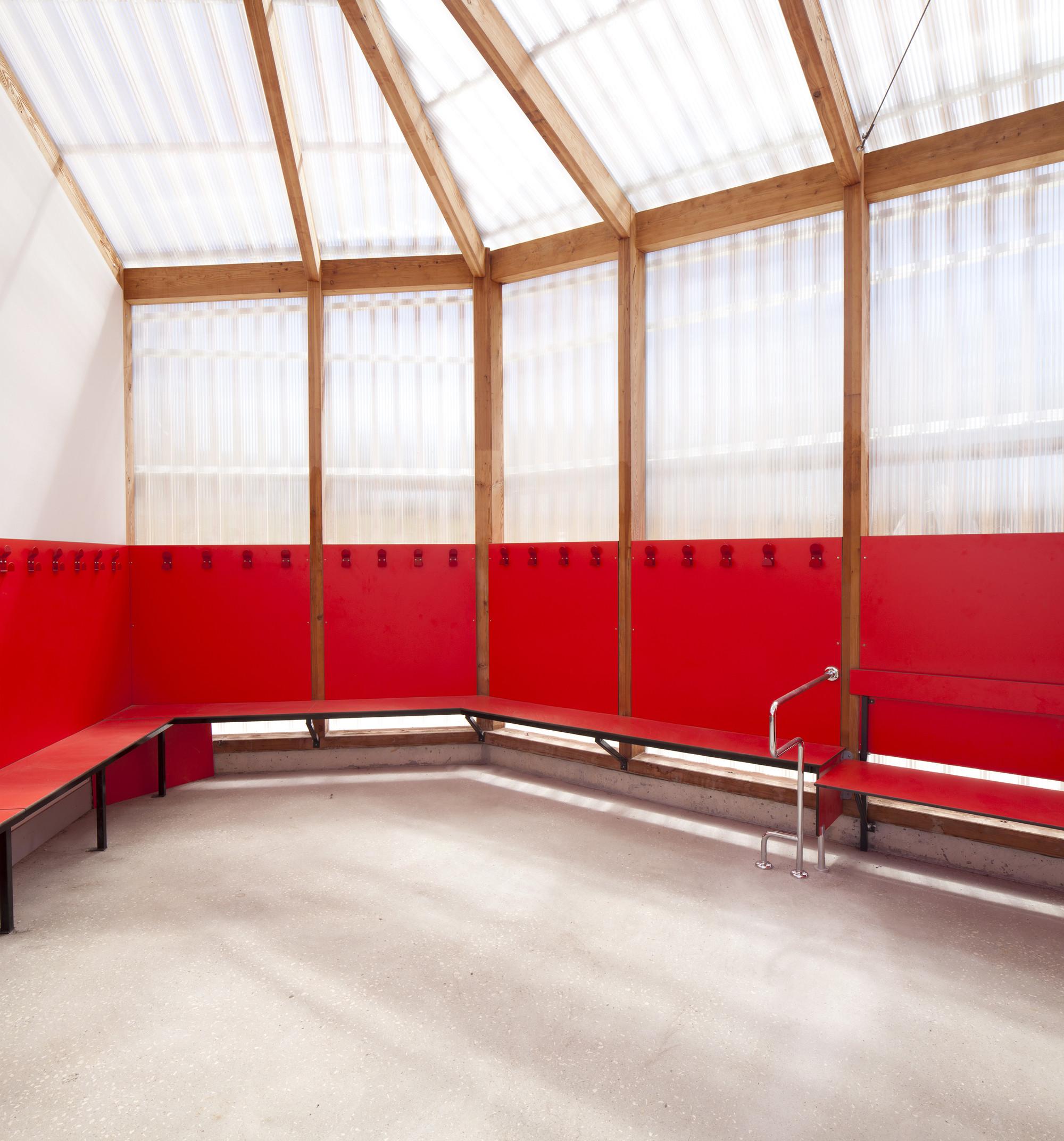 galer a de piscina th tre d 39 eau log architectes 6. Black Bedroom Furniture Sets. Home Design Ideas