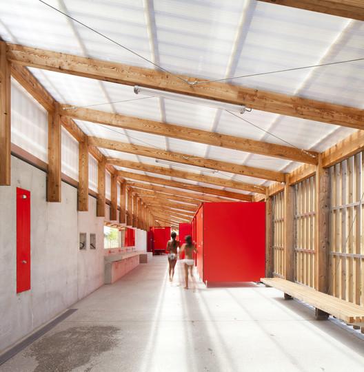 Piscina th tre d 39 eau log architectes plataforma - Eau arquitectura ...