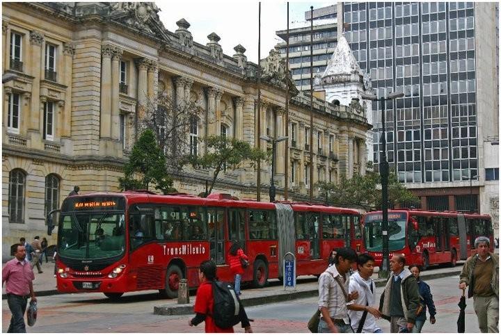 Abertas inscrições para bolsa de estudo internacional em mobilidade urbana sustentável, Transmilenio em Bogotá, Colômbia