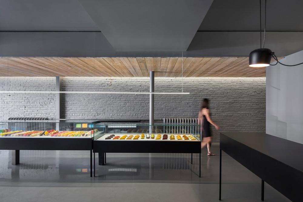 Confeitaria À La Folie  / Atelier Moderno + Anne Sophie Goneau, © Stéphane Groleau
