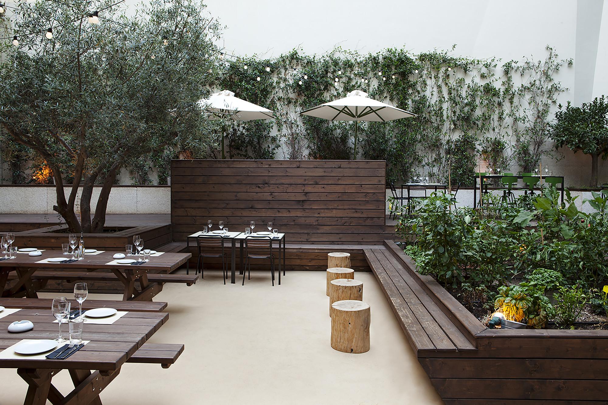 48 Urban Garden Ak A Archdaily