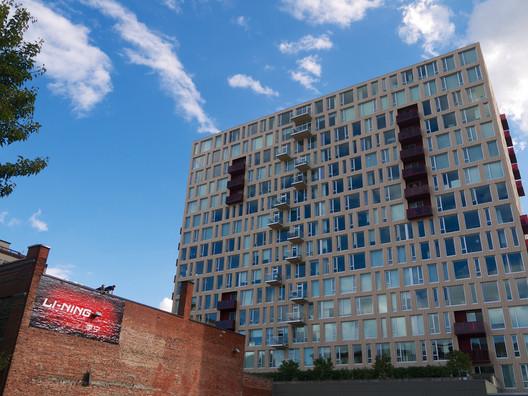 937 Condominiums de Holst Arquitetura combinam perfeitamente com a renovação de Armory ou dos Blocos Brewery de Portland. Imagem © Flickr CC user Travis Estell