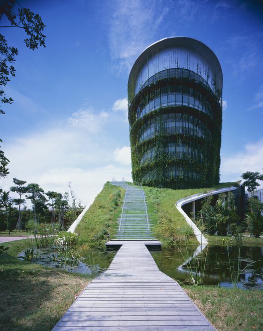 Factory in the Earth / Ryuichi Ashizawa Architect & Associates, © Kaori Ichikawa