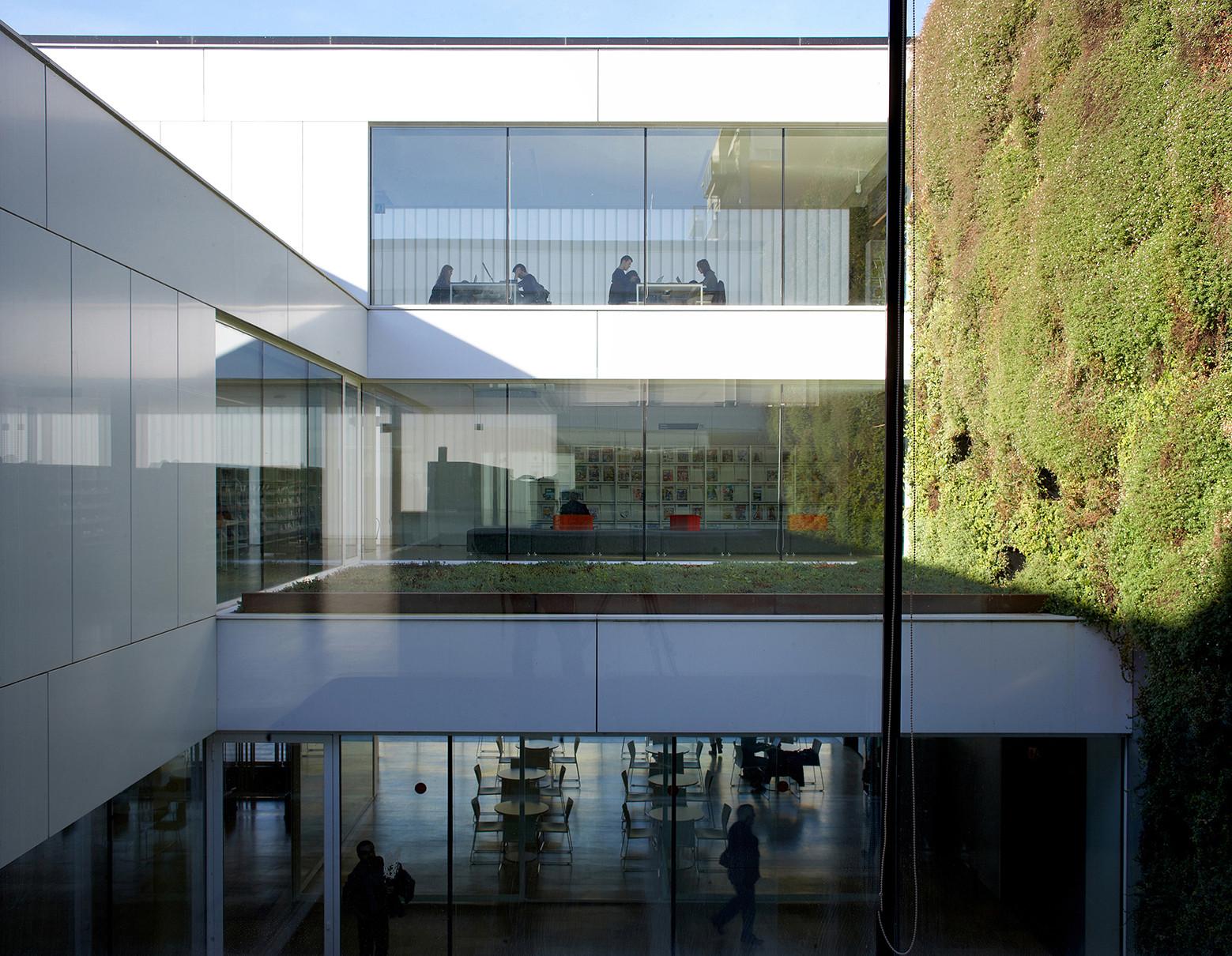 Gallery of girona public library corea moran arquitectura 17 - Arquitectura girona ...
