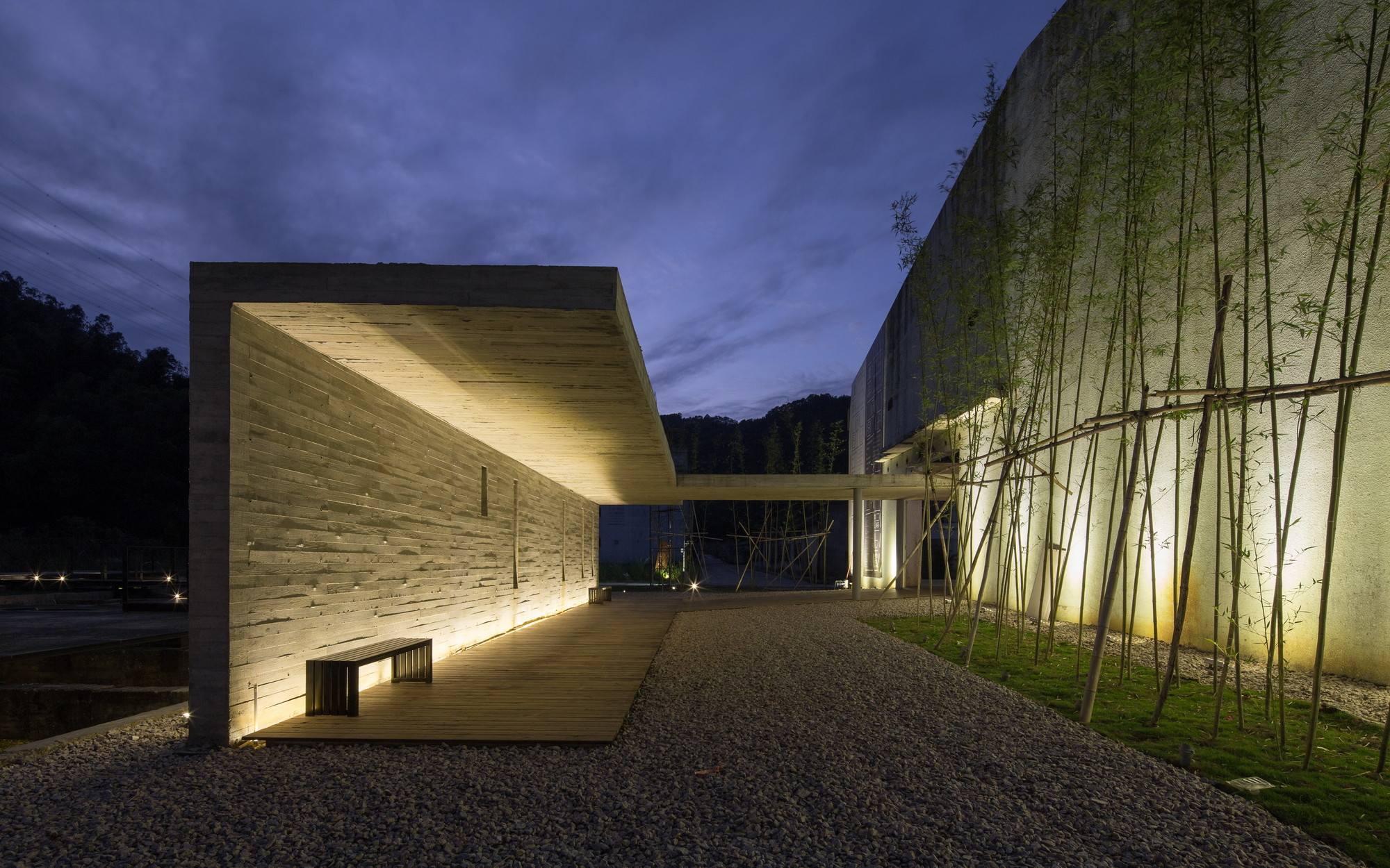 Gallery of mjh gallery of id town o office architects 12 for Architecture 54