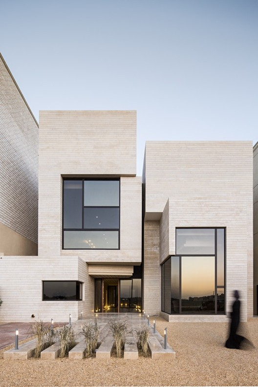 Street House / Massive Order, © Nelson Garrido