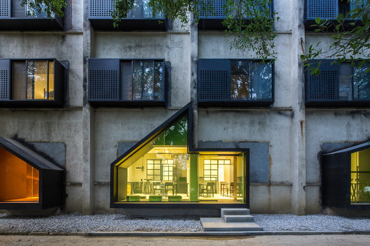 Albergue iD Town / O-office Architects, © Chaos.Z