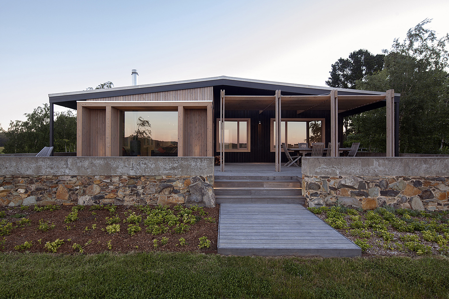 The Plinth House / Luke Stanley Architects, © Hilary Bradford Photography