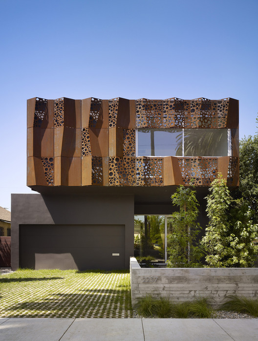 Walnut Residence / Modal Design, © Benny Chan for Fotoworks